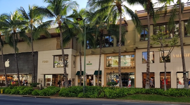 Shopping at KAlakaua Avenue