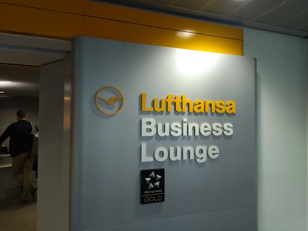 Dusseldorf Lufthansa Business Class Lounge 1