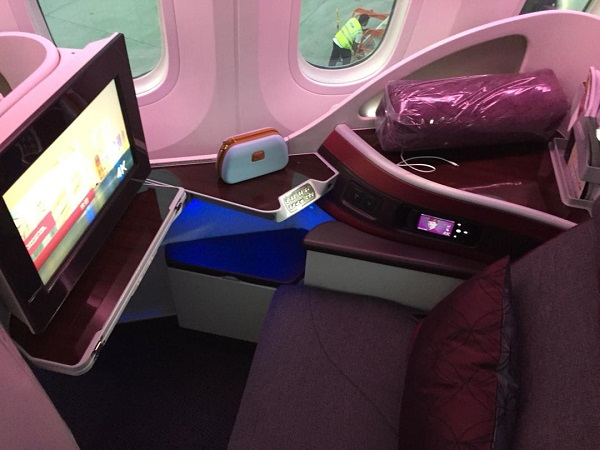 Qatar Airways Boeing 787 Doha to Bangkok Business Class 1