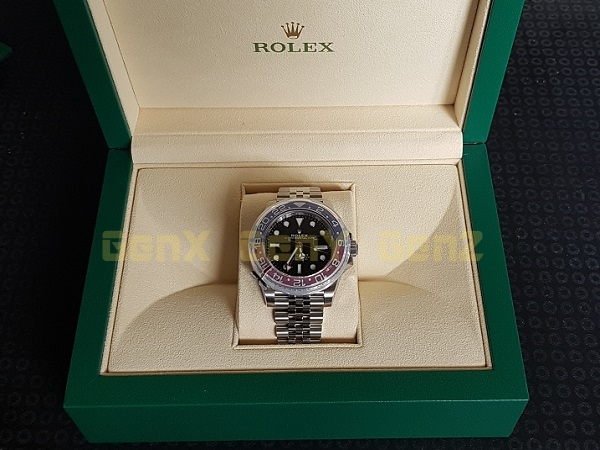 Rolex GMT Master II Pepsi 126710BLRO 2018 Photo Review 3
