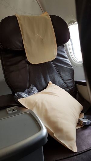 Singapore Airlines Business Class Singapore to KL on silk Air.jpg