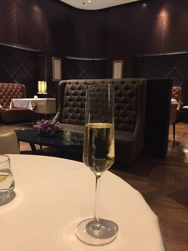 Singapore Airlines First Class Lounge Changi 4