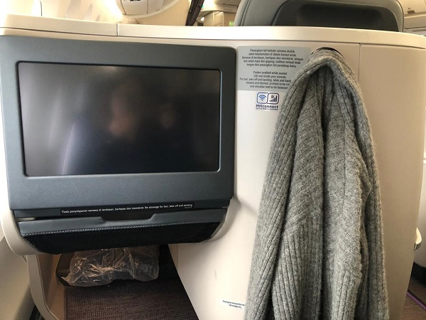 Malaysia Airlines Buisness Class A350 Kuala Lumour London Review 5