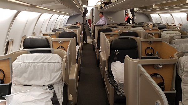 Qantas Business Class Airbus A330 Singapore to Melbourne 1