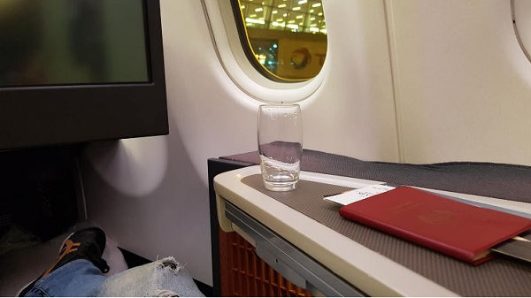 cathay pacific business class a330 delhi to hong kong 1