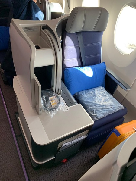Malaysia Airlines Airbus A350 Business Class KL London 6.jpg