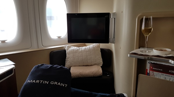 Qantas First Class Review Airbus A380 Seat 1A Swivel 5