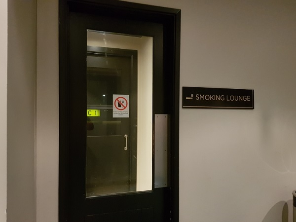 Malasia Airlines Business Class Golden Lounge KLIA Smoking Room 1