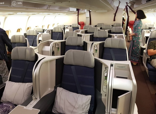 Business Class Malaysia Airlines KL Beijing 3.jpg