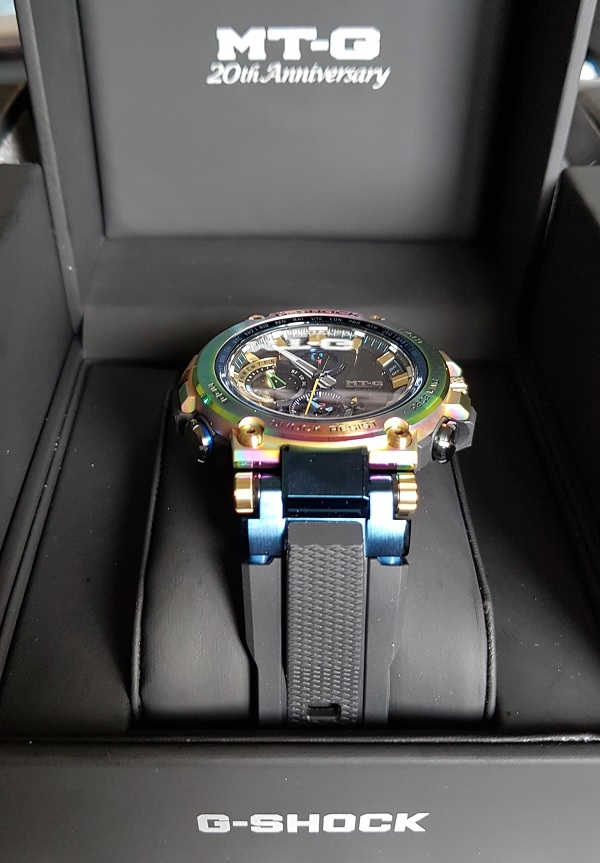 G-Shock MTG-B1000RB Rainbow Limited Edition Unboxing 8b