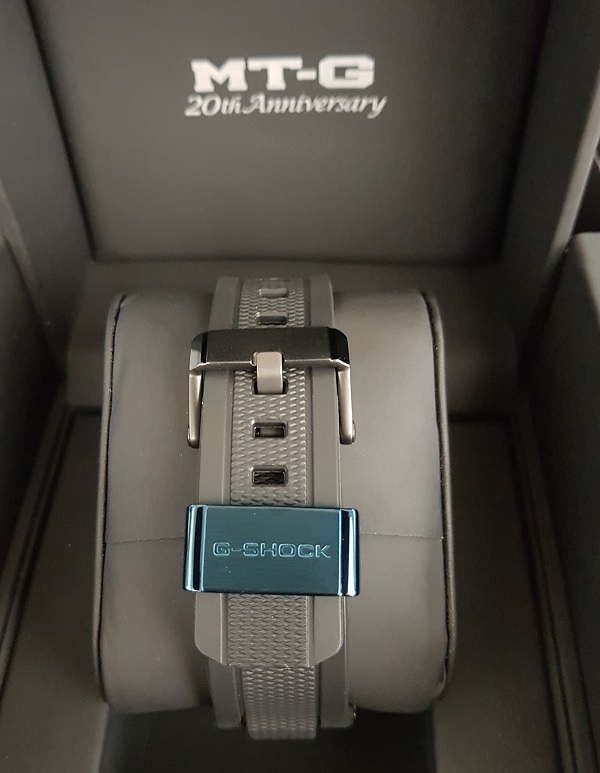 G-Shock MTG-B1000RB Rainbow Limited Edition Unboxing 8d