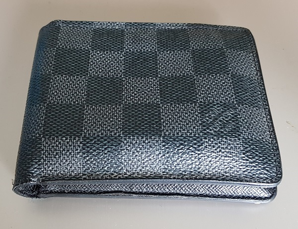 Louis Vuitton Wallet 1