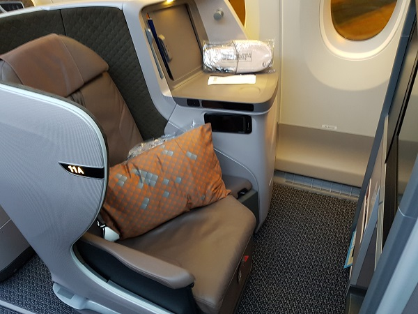 Singapore Airlines Business Class Brisbane to Singapore Aibus A350 Bulk Head Seat 11A 1