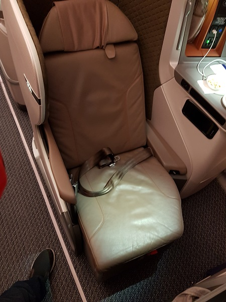 Singapore Airlines Business Class Brisbane to Singapore Aibus A350 Bulk Head Seat 11A 5