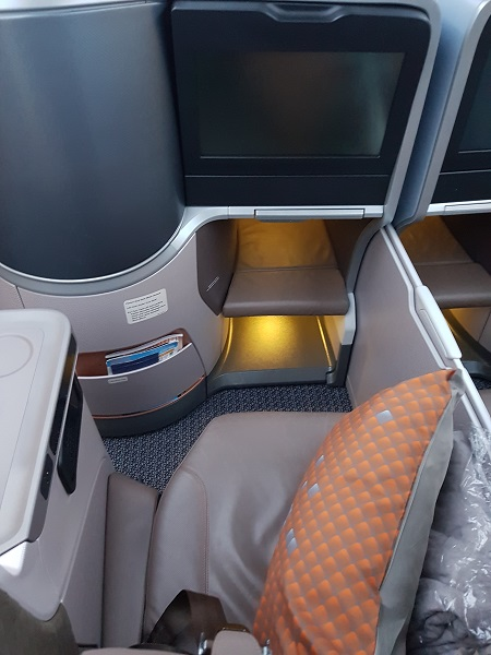 Singapore Airlines Business Class Brisbane to Singapore Aibus A350 Seat Centre Row