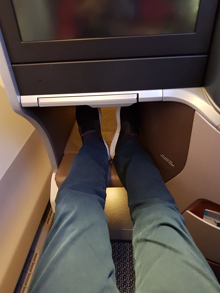 Singapore Airlines Business Class Brisbane to Singapore Aibus A350 Standard Window Aisle Seat 3