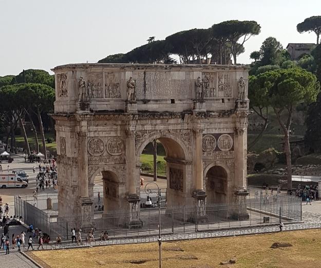 Colosseum Entrance Arc.jpg