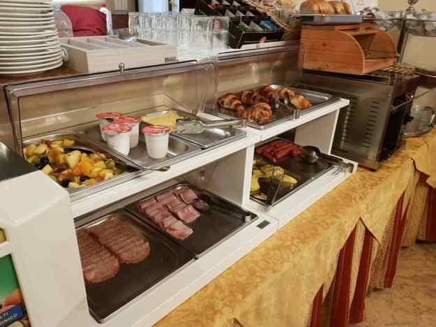 Hotel Free Breakfast 1.jpg