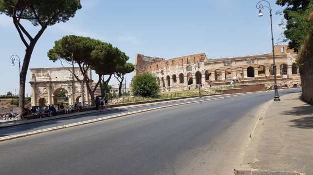 Rome Colosseum Arc.jpg
