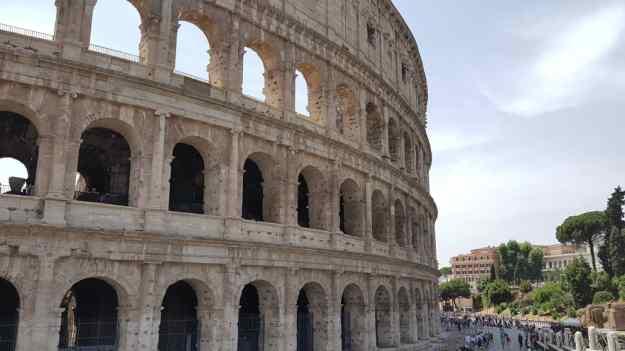 Rome Colossuem External.jpg