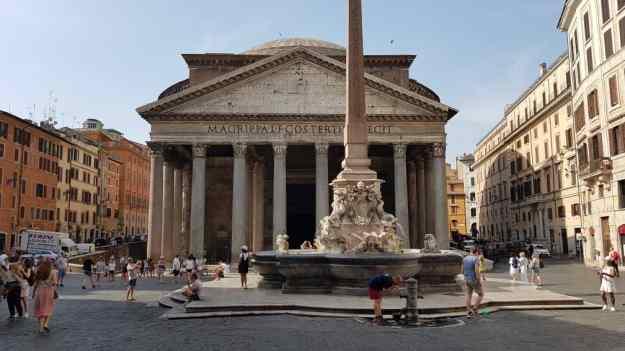 Rome Pantheon 1.jpg