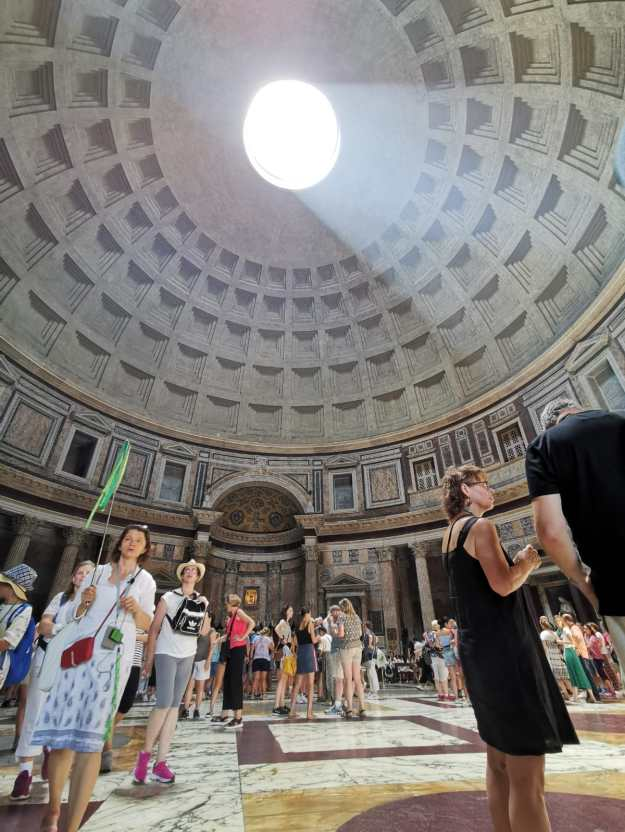 Rome Pantheon Inside Photo with Dome.jpg