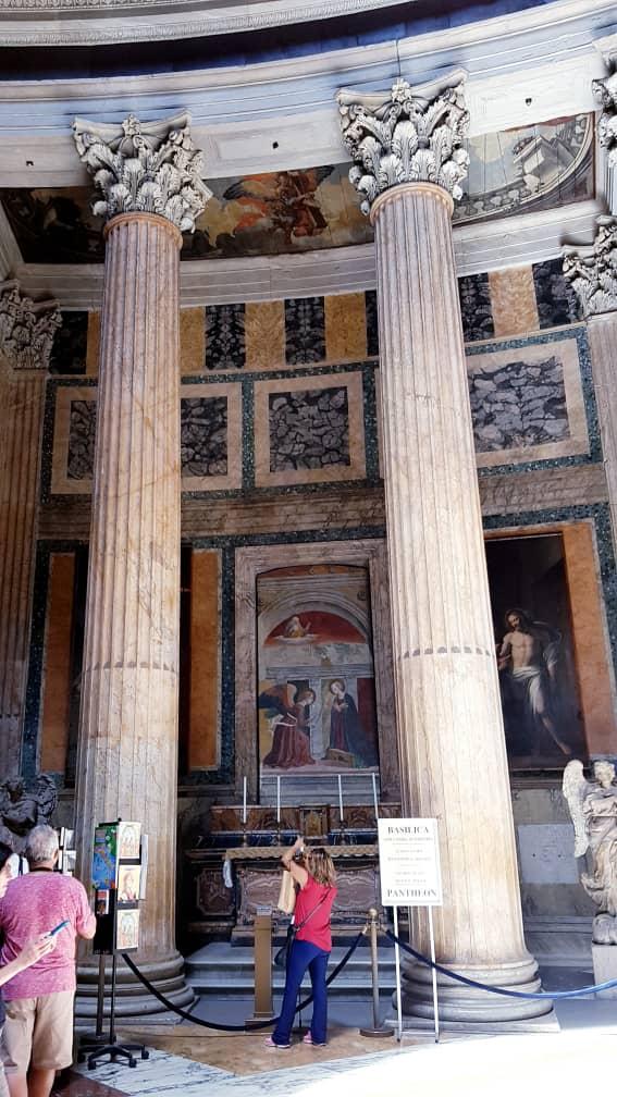 Rome Pantheon Inside.jpg