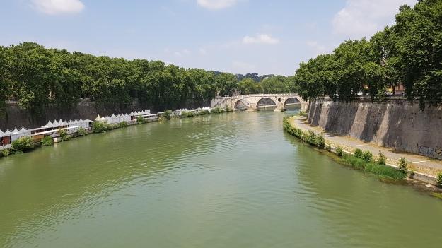 Rome River Tiber.jpg