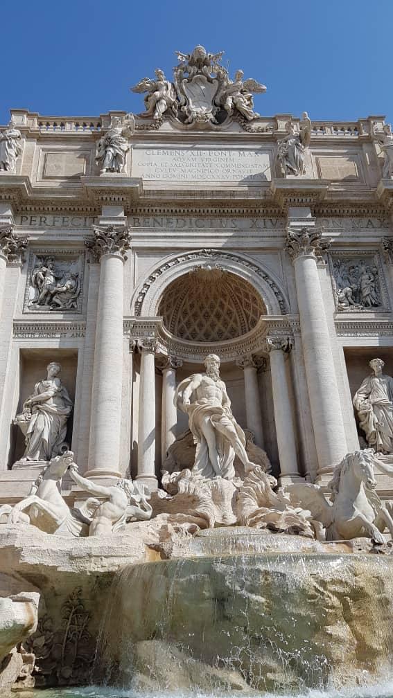 Rome Trevi Fountain 2.jpg