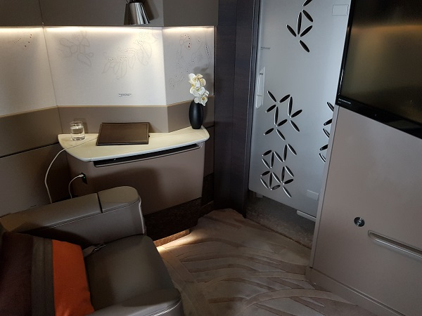 Singapore Airlines Airbus A380 Suite Class London to Singapore Review 11