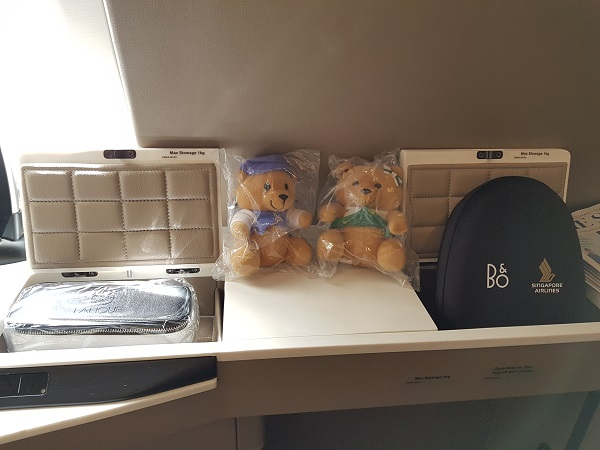Singapore Airlines Airbus A380 Suite Class London to Singapore Review 6