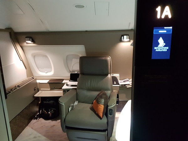 Singapore Airlines Airbus A380 Suite Class London to Singapore Review Seat and Bed 1