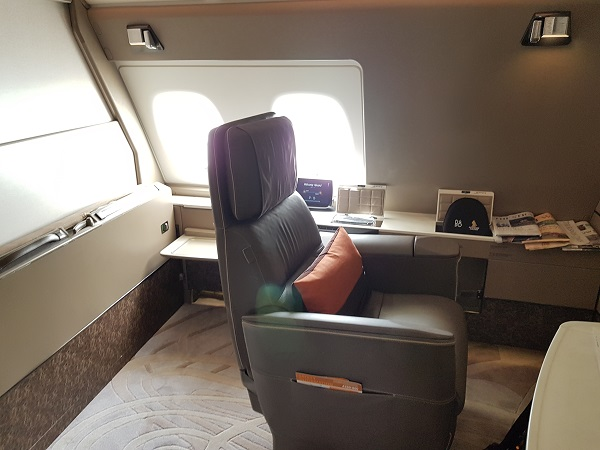 Singapore Airlines Airbus A380 Suite Class London to Singapore Review Suite 1A.jpg