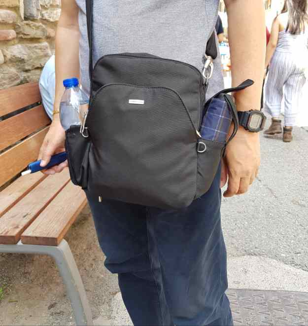 Travelon Sling Bag 2
