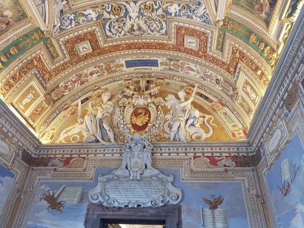 Vatican City Museum 1.jpg