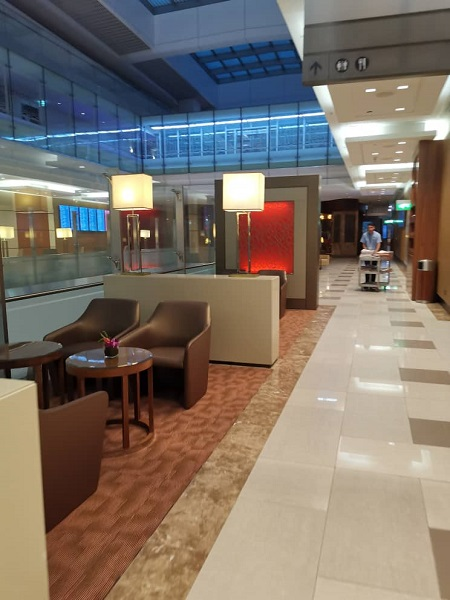 Emirates Business Class Lounge Dubai 3