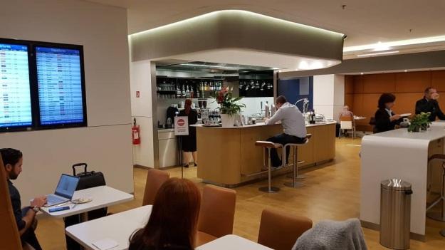 Lufthansa Lounge Milan Airport 4