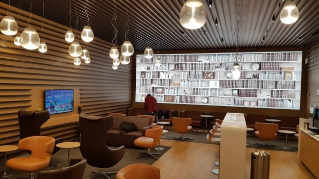 Lufthansa Lounge Milan Airport 5