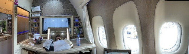 Emirate NEW First Class Boeing 777 6