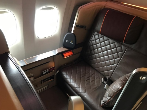 Singapore Airlines First Class Boeing 777 Dubai 1.jpg