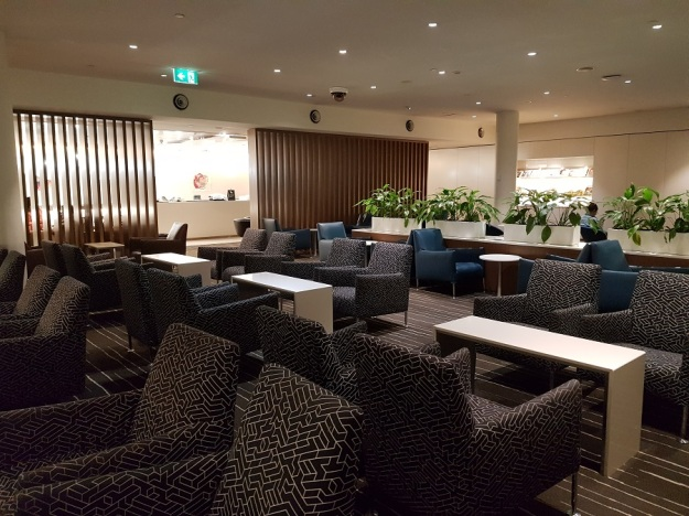 GenX Live Travel Report Malaysia Airlines Business Class Melbourne Qantas Lounge 5