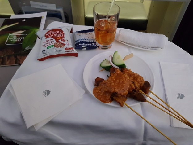 GenX Live Travel Report Malaysia Airlines Business Class Melbourne to Kuala Lumpur Food and Drinks 1