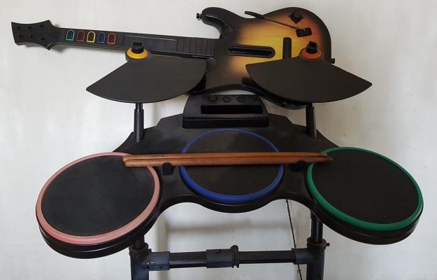 Wii guitar drum